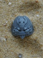 SPACE MARINE VANGUARD SHOULDER PAD K