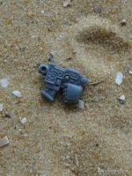 SPACE MARINE VANGUARD BOLTER PISTOL LEFT HANDED VARIOUS